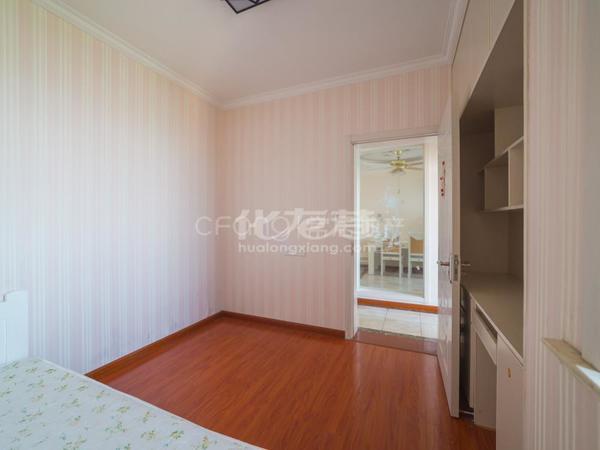 新城香溢俊园 精装修 三室两厅 好楼层 全天采光 出门就是地铁口诚售