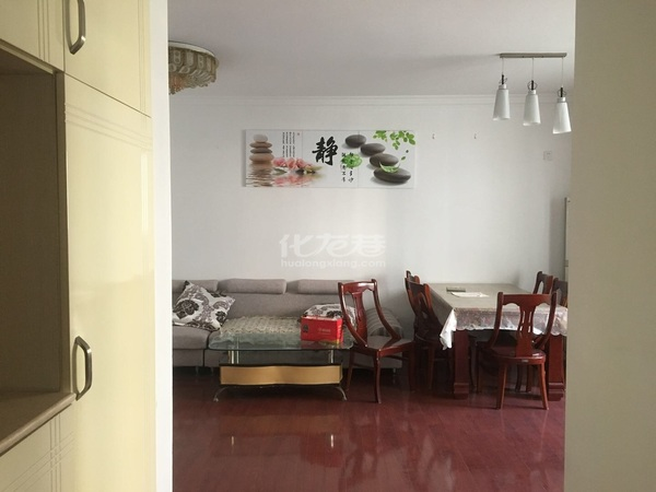 首次出租桂花园2房2厅精装,设施齐全,拎包可住,包电梯物业费,随时看房.