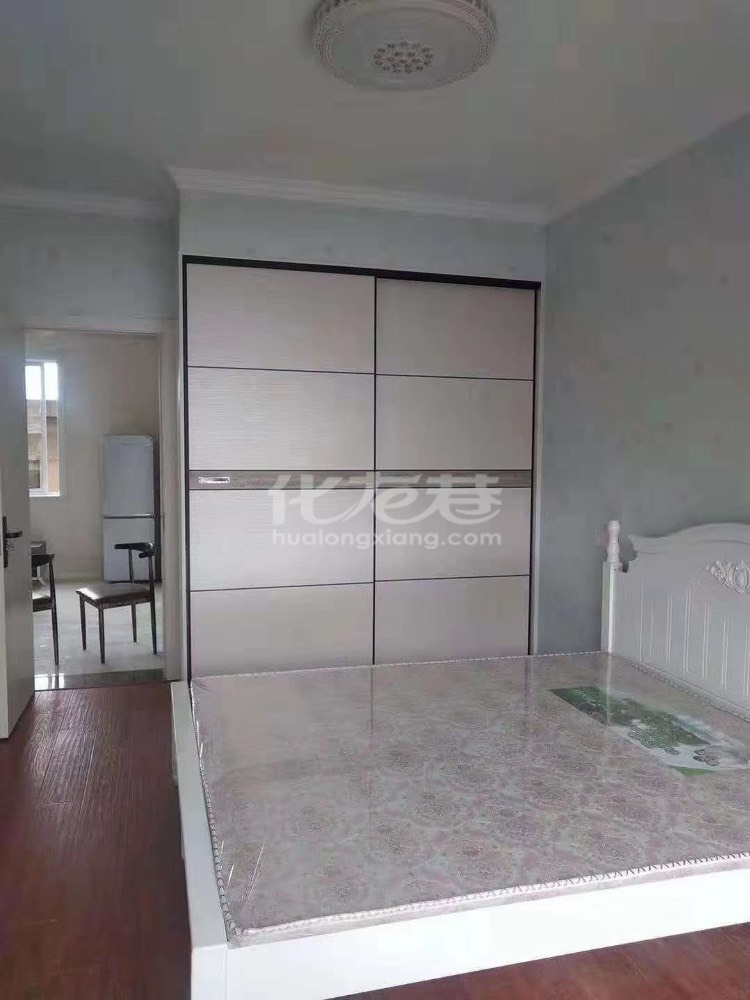 出租都市雅居3室2厅2卫126平米3000元/月住宅