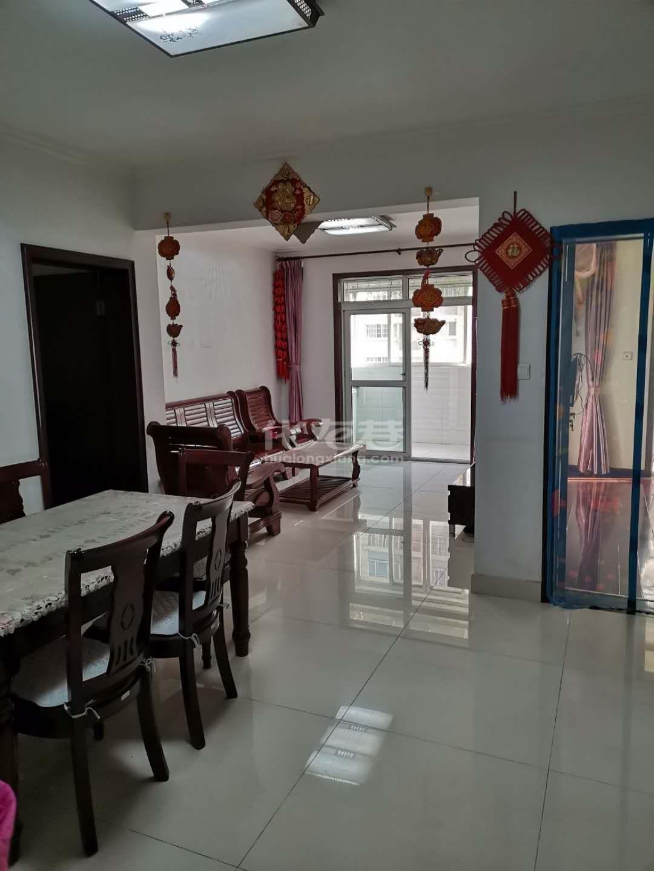 首次出租桂花园2房2厅精装,设施齐全,拎包入住,含电梯物业费,随时看房.