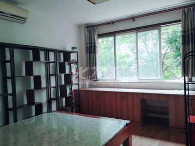 首次出租桂花园3房2厅精装,设施齐全,拎包可住,含电梯物业费,随时看房.
