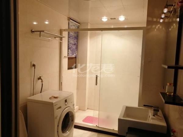出租新城府翰苑1室2厅1卫68平米2000元/月住宅