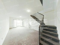 205万出售泰盈八千里6楼复试毛坯花园洋房 满二年 南北通透 带阳光房 价格面议