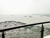 新推:星河丹堤旁翡丽蓝湾湖景房、中间好楼层、位置好、超性价比优质房源急售