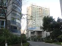 府琛花园黄金楼层138平方,简装,3室2厅2卫,248万。