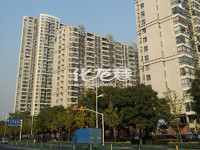 香江华廷126平方220万,豪华装修中央空调地暖,品牌家电,户型好南北通透