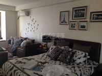 宝龙广场公寓38.1平米一室一厅 精装修拎包入住朝南