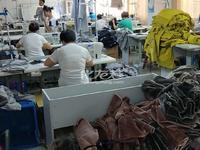 光华路周边有三楼厂房600平米有装修限做服装有设备