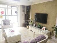 世茂香槟湖2期,精装3居室,装修精致,带车位出售
