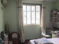 金谷花园顶复 5室2厅2卫 全屋地板精装修 采光好拎包住