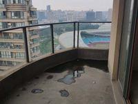 中央花园顶楼复式 实用面积大 有钥匙看房方便
