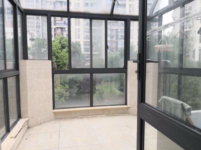 世茂香槟湖一期联排别墅三层有院子带地下室车位送露台满2靠龙湖