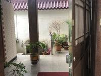 弘阳广场对面,复兴家园联排别墅,356平300万,急售。有院