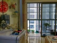 世茂广场 精装单身公寓 交三押一 有钥匙