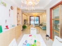 华润国际3期,三朝南精装修3居室,地铁口,190万有钥匙