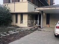 出售湖畔春秋5室4厅3卫1000平米1020万住宅