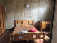 清潭五村中间楼层 毛坯楼下就是清潭中学 周边配套设施齐全