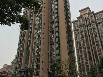 大名城 豪装三房 中上楼层 南北通透 边户 满两年 随时看房