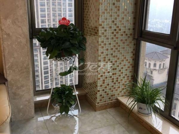 银河湾名苑 豪装3D砖装饰 复式 中央空调.地暖 送车位