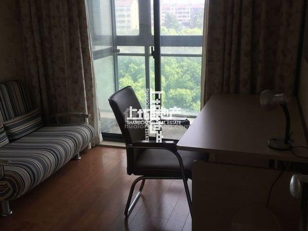 华亭苑150平小高层中间楼层采光好,房主低价急售