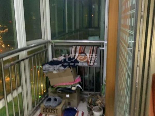 市政府旁聚博花园3室2厅1卫精装修品牌家具家电地铁1号线交通方便满五唯一随时看房