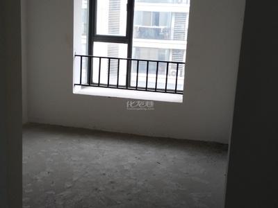 前桥小区2楼128.8平方三朝南毛坯房满两年