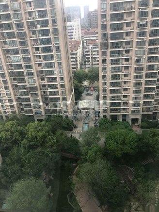天皇堂新寓171平米308万电梯房南北通透采光及好