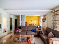 新天地花苑新出4房 看房方便 家具全留 宽敞自我天地,妆点精致生活