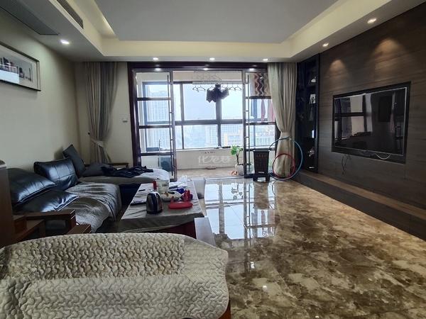 莱蒙城中央府空中大平层、品牌精装四居室、楼层好、朝南双阳台、满二年急售
