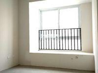 嘉宏云顶三室两厅毛坯可改四房欢迎来电15895048517