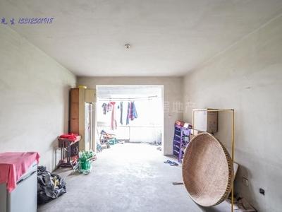 顺园二村 二楼 毛坯房出售 产权时间满两年 采光不错 诚心出售