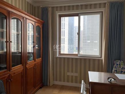 新世界花苑11楼113.5平方三房二厅精装,家具全是品牌,280万