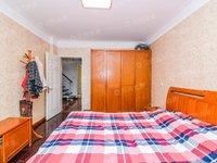 出售三室两厅两卫一厨 精装修 顶楼复式
