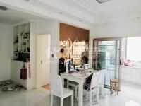 滨江明珠城经典小三房豪装,房东置换大户,南北通透。拎包即住