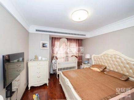 350万急售新城金郡37楼精装三房 满五年 南北通透 品牌家具家电 价格具体面议