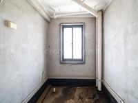 中央花园29楼 毛坯3房 诚心出售 有钥匙随时看房