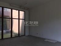 出售溪湖小镇5室3厅3卫291平米335万住宅
