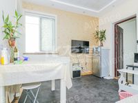 德禾豪景精装修一居室小户型出售,小区位置地段好,出行便捷,出门就是武宜路BRT.