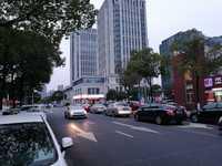 太湖东路沿街旺铺 1200m2 餐饮精装 设全 随时可看房