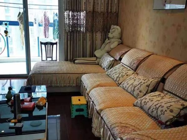 新天地花苑豪华装修优质博小北郊小区中间户型方正前后三阳台