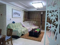 地铁口凤凰名城3房婚房精装,满五年,一梯2户,有意向者联系