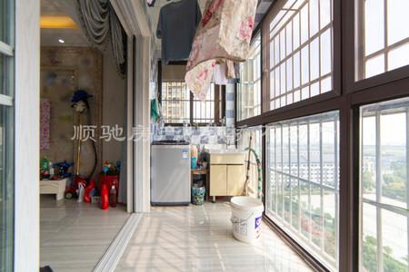 实验二小旁景观楼层满2年精装修房东诚心出售急卖