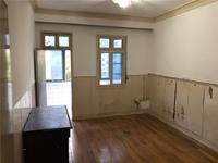 红梅东村 靠近九龙 三楼 均价一万 有钥匙 随时看房 可小刀