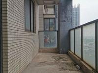 新出 花园街地鉄口弘建一品旁 常发嘉园毛坯3房 中间层 满2