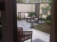 雅居乐山湖城中央空调加地暖带大院子跟露台95平190万精装交付