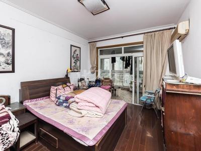 景福苑 精装修 三室两厅 三朝南 不靠铁路 近大润发还有公园 生活方便 诚售