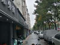 花之园沿街商铺60.2平方.135万.年租金6万.