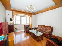 桃园公寓 5楼带阁楼买一层送一层 24 二十 四 中 有钥匙随时看房
