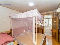 富都北苑 3楼2房82万,采光好,带装修诚心出售,看中价格可谈