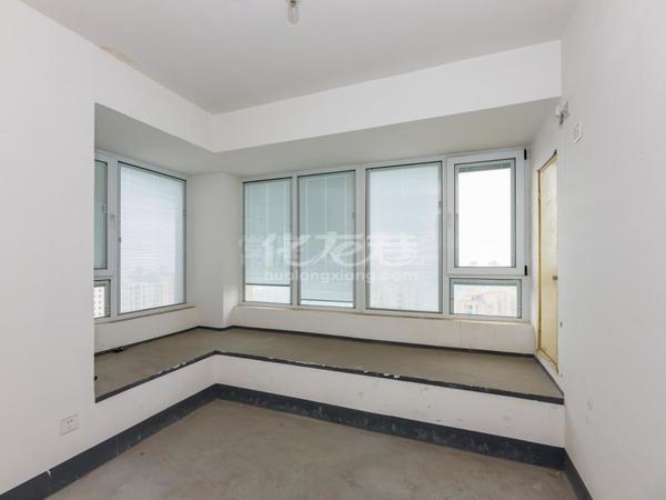 保利公园九里 顶层4室2厅1厨2卫1阳台 采光佳 风景优美
